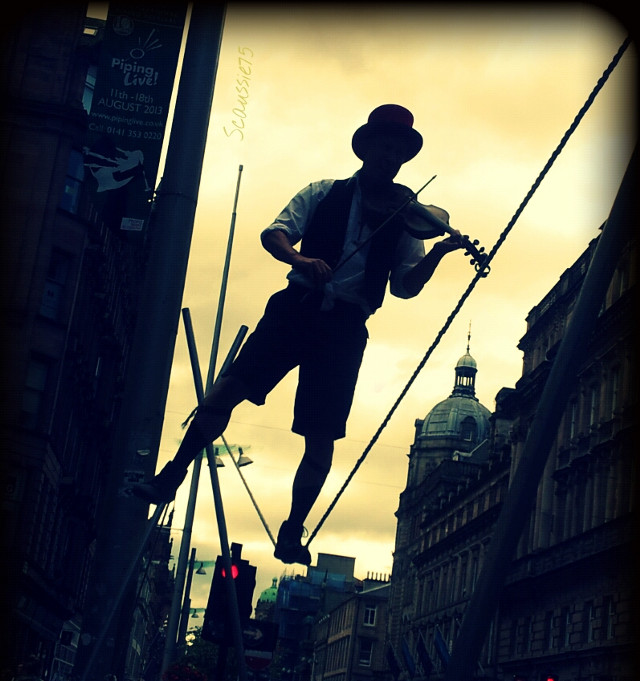 Talented and a delight to witness, the incredible kwabana lindsay :) www.kwabanalindsay.com  #crossprocess #vignette #street #performer #art #streetperformer #streetart #scotland #tightrope #violin #fiddle #silhouette #arts